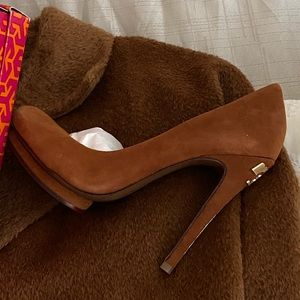 Tory Burch Pump